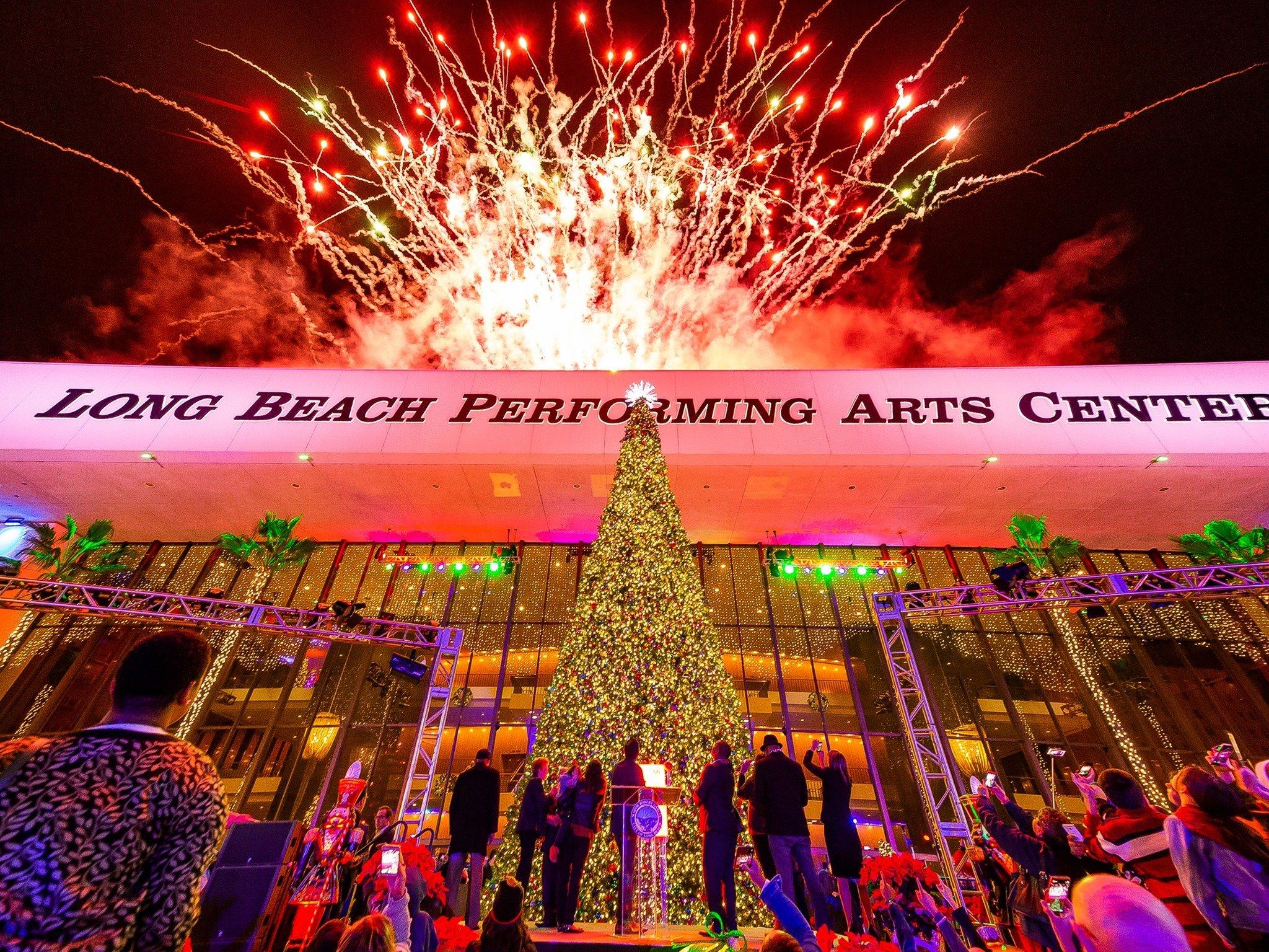 Holiday Tree Lighting with Mayor Garcia